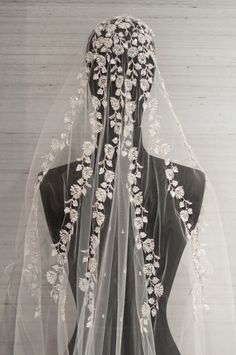 Embroidered+wedding+veils | Embroidered Veil of the Week | Bridal Blog