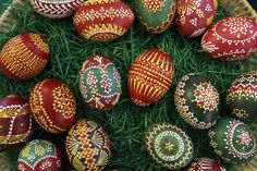 Traditionally hand painted Easter eggs are on display for sale in the eastern German village of Schleife Egg Tree, World Thinking Day, Ukrainian Easter Eggs, Egg Designs, Easter Traditions, Coloring Easter Eggs, Easter Holidays, Egg Decorating, Holiday Decorating