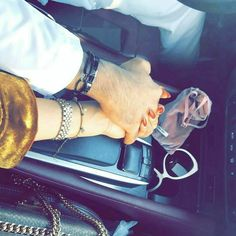 Photography Love Couples Hands Ideas For 2019 Couple In Car, Couple With Baby, Couple Hands, Cute Love Couple, Cute Couple Pictures, Girly Pictures, Love Photos, Couple Dps, Hand Photography