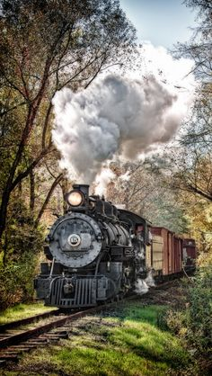 Ocean Photography, Travel Photography, Train Vacations, Old Steam Train, Bonde, Train Art, Old Trains, Train Pictures, Steam Locomotive