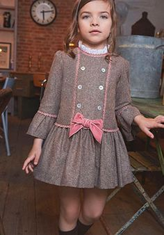 Diy Crafts - Ideas sewing patterns girls winter for 2019 Baby Dress Design, Baby Girl Dress Patterns, Sewing Patterns Girls, Little Girl Dresses, Girls Dresses, Baby Frocks Designs, Toddler Dress, Kids Outfits, Kids Fashion