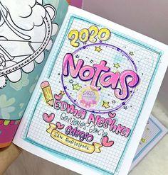 "305 Me gusta, 2 comentarios - 💫Empresa Cucuteña✨ (@caritotiendaderegaloscucuta) en Instagram: ""🖌 📚🔶ʟʟᴇɢᴏ ʟᴀ ᴛᴇᴍᴘᴏʀᴀᴅᴀ ᴇsᴄᴏʟᴀʀ🔸✏️ ✨ⓘⓝⓘⓒⓘⓐ ⓣⓤ ⓐñⓞ ⓒⓞⓝ ⓜⓤⓒⓗⓞ ⓢⓣⓘⓛⓞ . . 📚Trae tus cuadernos y deja…"" Dotted Bullet Journal, Doodle Quotes, School Notes, Worksheets For Kids, Journal Notebook, Stop Motion, Family Love, Drawing For Kids, Hand Lettering"