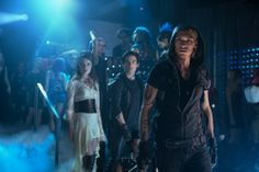 Isabelle Lightwood (Jemina West), Alec Lightwood (Kevin Zegers), Jace Wayland (Jamie Campbell Bower) in Screen Gems' MORTAL INSTRUMENTS: CITY OF BONES.