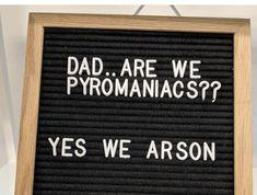 Puns Jokes, Corny Jokes, Funny Puns, Dad Jokes, Haha Funny, Funny Quotes, Hilarious, Memes, Word Board