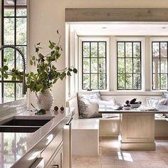 "️Beautiful Breakfast Nooks️ We love this bright, beautiful breakfast nook!  The ""U"" shaped built-in banquette and modern pedestal table is perfection!  #breakfastnook #kitchendesign #kitchen #interiordesign #designdetails #pedestaltable"