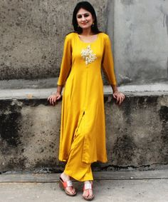 anokherang Combos Mustard Gold Kalidar Kurti with Straight Palazzo Pakistani Dresses, Indian Dresses, Indian Outfits, Indian Clothes, Kurtha Designs, Blouse Designs, Mehndi Designs, Design Ideas, Girl Fashion