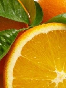 Au petit-déjeuner il n'y a pas mieux qu'un bon verre de jus d'orange pour bien se réveiller. Mais manger le fruit entier ne serait-il pas meilleur ?