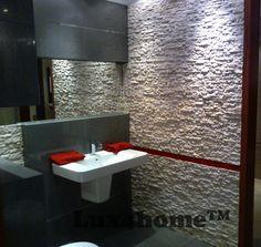 Okładziny z kamienia Lux4home™. Biały łupek na ścianie w łazience. Model R240 White