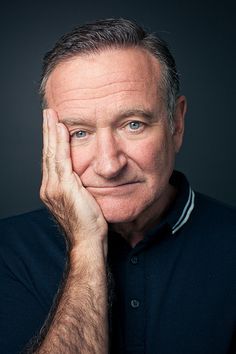 The death of Robin Williams has taught me a very important lesson: that you can be loved by the entire world and still feel incredibly alone. I think his death comes as such a shock to the world. Robin Williams Quotes, Robin Williams Death, Madame Doubtfire, Captain My Captain, Good Will Hunting, Portraits, Robins, Best Actor, Famous Faces
