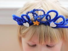 Pipe Cleaner Crowns: This pipe cleaner crown is the perfect easy addition to party time -- and only needs 2 materials.
