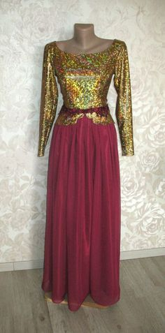 Rochie de seara auriu cu burgundy, accesorizat cu broderie cu margele