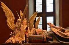 ombeaux des ducs de Bourgogne (cénotaphe de Jean-sans-Peur et Marguerite de Bavière) Palais des Ducs et des Etats de Bourgogne .Musée des Beaux-Arts. Dijon (Côte-d'Or) - Bourgogne