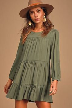 We are falling love with the Lulus Full of Heart Olive Green Tiered Long Sleeve Swing Dress! Long sleeve tiered swing dress with a ruffled mini hem. Mod Dress, Chic Dress, Ruffle Dress, Cute Dresses, Casual Dresses, Fall Boho Dresses, Women's Dresses, Dresses Online, Sleeve Dresses