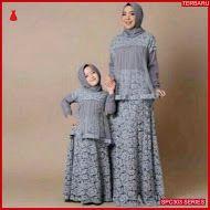 SPC303G32 Gamis Couple Pasangan Gamis Batik & Kebaya Wanita | BMGShop Muslim Fashion, Hijab Fashion, Fashion Dresses, Dress Brokat Muslim, Mom Daughter Matching Dresses, Mother Daughter Fashion, Dress Anak, Muslim Wedding Dresses, Batik Fashion