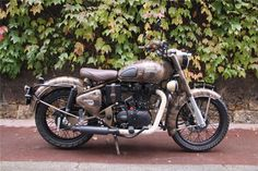 Risultati immagini per royal enfield extreme test drive Royal Enfield Bullet, Moto Royal Enfield, Royal Enfield Classic 350cc, Enfield Motorcycle, Motorcycle Men, Bullet Modified, Royal Enfield Wallpapers, Roadster, Bike Rider