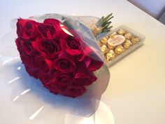 How to Order Flowers for Valentine's Day Online Beautiful Bouquet Of Flowers, Dark Flowers, Happy Flowers, Romantic Flowers, Tulips Flowers, Simple Flowers, Beautiful Roses, Birthday Wishes Flowers, Valentines Flowers