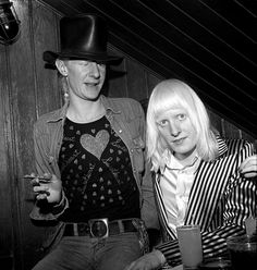 Johnny and Edgar Winter, brothers, fantastic guitarist what great music. I Love Music, Sound Of Music, Rock And Roll Artists, Texas Music, Dad Rocks, Music Pics, Blues Music, My Favorite Music, Famous Faces