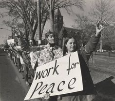 Student Protest for Peace :: Archives & Special Collections Digital Images :: 1970