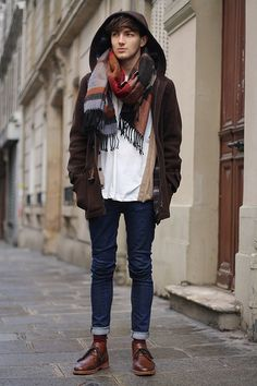 50 Elegant Winter Man Outfit With Scarf Ideas To Warm Your Body, Spring Fashion Outfits, Winter Outfits, Winter Fashion, Fashion Moda, Mens Fashion, Men's Grooming, Old School Style, Mode Man, Look Street Style