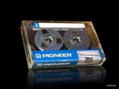 http://capstanjack.yolasite.com/resources/Cassettes/Pioneer/Pioneer%20Boombox%20Reel%2050%201980%20US.jpg