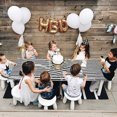 Birthday Posts, Baby Birthday, First Birthday Parties, First Birthdays, Little Presents, Baby Kind, Party Time, Balloons, Special Friends