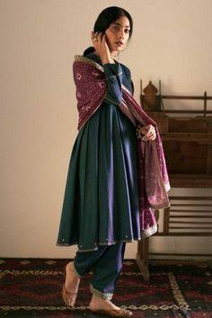 Women S Fashion Jewelry Cheap Pakistani Fashion Casual, Pakistani Dresses Casual, Pakistani Dress Design, Indian Fashion, Kurta Designs, Kurti Designs Party Wear, Dress Indian Style, Indian Dresses, Indian Outfits