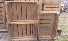 Mooie partij houten kisten voor de kerst kerstpakketten e.d.