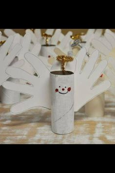 "craft for kids: toilet paper roll angels. Pre-paint the toilet paper rolls and this could be a ""paint free"" craft! Preschool Christmas, Christmas Activities, Christmas Crafts For Kids, Christmas Projects, Kids Christmas, Holiday Crafts, Holiday Fun, Christmas Gifts, Christmas Decorations"