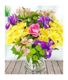 Gorgeous Spring floral blooms with mixed colours adorn for your sweat heart who always near you. Flowers Uk, Flowers Online, Summer Flowers, Easter Flowers, Flower Food, Flower Seeds, Flower Delivery Uk, Backgrounds Hd, Yellow Chrysanthemum