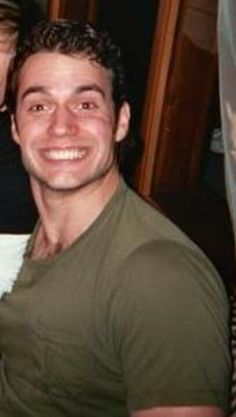 <3 What a goof! Love it! :) Henry Cavill