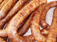 Kiełbasa swojska A Food, Good Food, Food And Drink, Home Made Sausage, Homemade Sausage Recipes, Polish Recipes, Smoking Meat, Sausages, Charcuterie