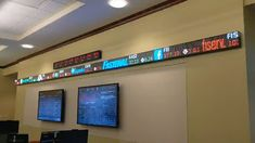Trading room at Radford University featuring a 24 pixel and Radford University, Stock Ticker, Digital Signage, Finance, How To Apply, Led, Videos, Room, Bedroom