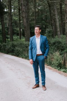 b81544cc2eb49 blue suit + no tie | the groom Mens Casual Wedding Suits, Blue Suit Wedding