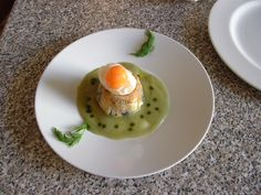 RUSTIQUE  tourte  de  sardines  farci   oeuf  60°  et  sauce  au  fenouil  sauvage  Gino D'Aquino.