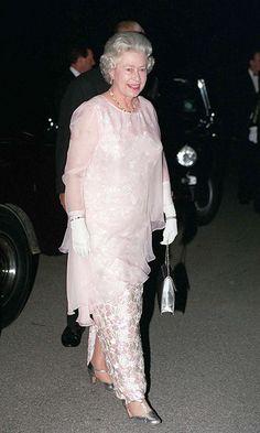 Her royal highness Queen Elizabeth II Hm The Queen, Royal Queen, Her Majesty The Queen, Queen B, Windsor, Queen And Prince Phillip, Prinz Philip, Estilo Real, Isabel Ii