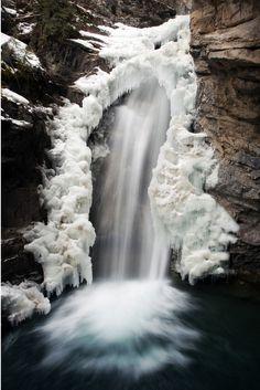 Johnston Canyon, Banff National Park. Guide to beautiful Banff National Park: gocanada.about.com/od/outdooradventuretravel/tp/Banff.htm