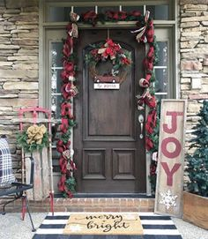 3 things every Christmas front porch should have! My new Kirkland& items! 3 things every Christmas front porch should have! My new Kirkland& items! Farmhouse Christmas Decor, Christmas Home, Christmas Lights, Christmas Crafts, Christmas Quotes, Merry Christmas, Elegant Christmas, Christmas Vacation, Plaid Christmas