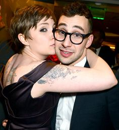 Lena Dunham, writer/star of HBO series 'Girls', with her boyfriend, Jack Antonoff, guitarist for the band Fun. So fucking cute. Cute Celebrity Couples, Cute Couples, Power Couples, Sweet Love Letters, Love Letter For Boyfriend, Good Advertisements, Cutest Couple Ever, Lena Dunham, Lisa Marie Presley