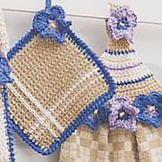 Towel Topper  Pot Holder: Square Pot Holder ~ free patterns ♡ ♡ •✿•  Teresa Restegui http://www.pinterest.com/teretegui/ •✿•