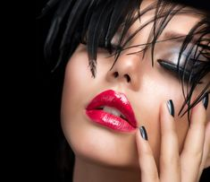 Dry Itchy Scalp, Little Girl Models, Girls Lips, Fantasy Makeup, Art Girl, Lip Gloss, Fashion Art, Photo Editing, Halloween Face Makeup