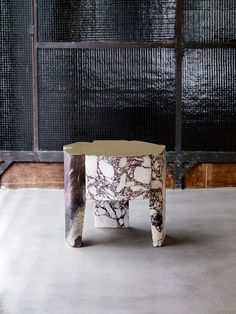 marble side table with brass top, by Vincenzo De Cotiis Table Furniture, Luxury Furniture, Furniture Design, Bathroom Furniture, Luxury Interior Design, Interior Decorating, Vincenzo De Cotiis, Home Bar Accessories, Low Tables