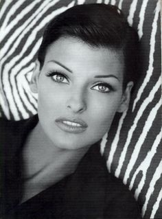 "a-state-of-bliss: ""Kenar Fall/Wint 1992 - Linda Evangelista by Steven Meisel """