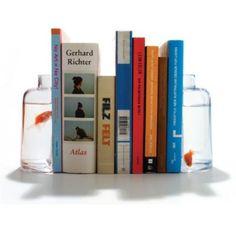 Vissenkom als boekensteun | Gimmii Magazine