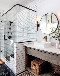 44 Marvelous Farmhouse Master Bathroom Decor Ideas and Remodel - Home Design Inspiration Master Bath Remodel, Master Bathroom, Modern Bathroom, Bathroom Vanities, Quirky Bathroom, Gold Bathroom, Glass Bathroom, Bathroom Renos, Bathroom Cabinets