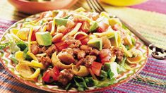 Enjoy this Mexican taco salad made with ground beef, beans and avocados - your flavorful hearty dinner! Quick Recipes, Beef Recipes, Mexican Food Recipes, Ethnic Recipes, Mexican Meals, Special Recipes, Recipies, Taco Salad Recipes, Taco Salads