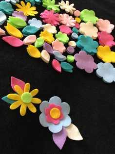 Blooming Flowers Felt Kit is great for Spring and Summer Crafting. Make Mothers Day crafts, or Easter Cards, Bridal shower invites. Great for birthday parties, baby shower decorations, favors, cards, and scrapbook pages. Design your own colorful Penny Rug with these bright and cheery flowers. Use as appliques, or use for Bible Journaling Art, Hair accessories, tutus and more!  In this listing you will receive a total of 144 pieces. Including flowers, leaves and flower centers. Elements…