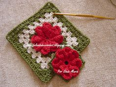 """Beautiful  flower block  from """"FALANDO DE CROCHET"""":   Chart, with instructions in Portuguese.  Easier than it looks."""