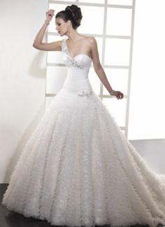 Maggie Sottero: Vestidos de novias  http://www.estadeboda.com/bridal-suite-ca/