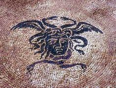 Castelleone di Suasa - Parco archelogico - testa di Medusa - particolare di mosaico pavimentale della Domus Coedii