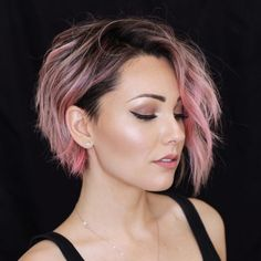 New Bob Haircuts 2019 & Bob Hairstyles 25 Bob Hair Trends for Women - Hairstyles Trends Short Hair With Layers, Short Hair Cuts For Women, Short Hairstyles For Women, Bob Hairstyles, Layered Hairstyles, School Hairstyles, Short Hair With Color, Short Thick Hair, Halloween Hairstyles